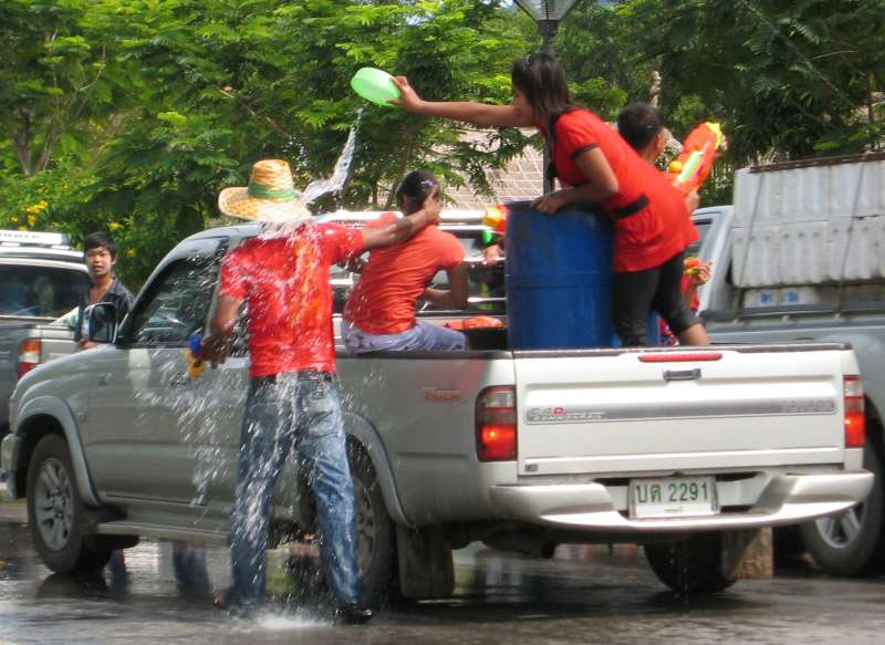 Songkran Thai New Year gigantic water fight