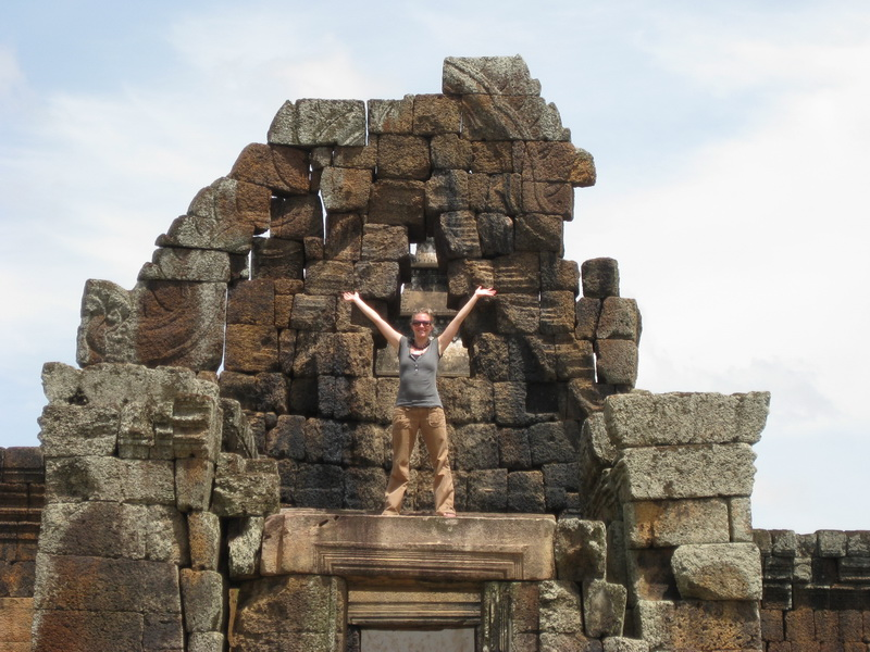 Amie on a deserted Angkorian ruin near Phnom Chi Sou