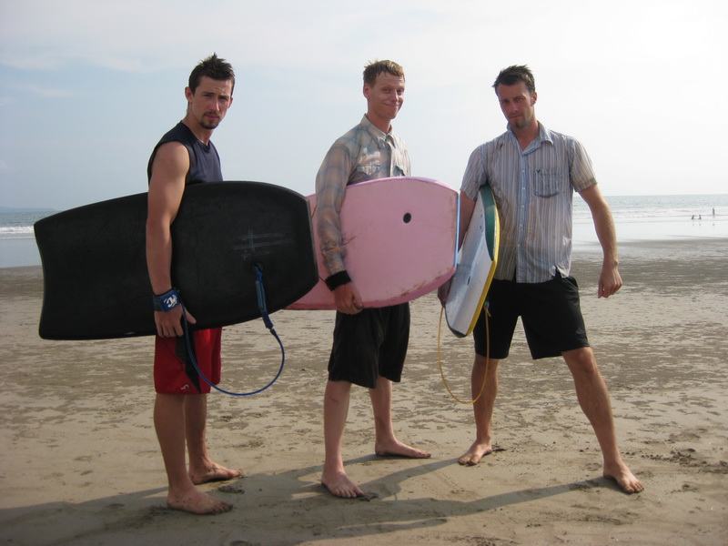 Steve, Dan, and Ryan off for an afternoon of boogie boarding