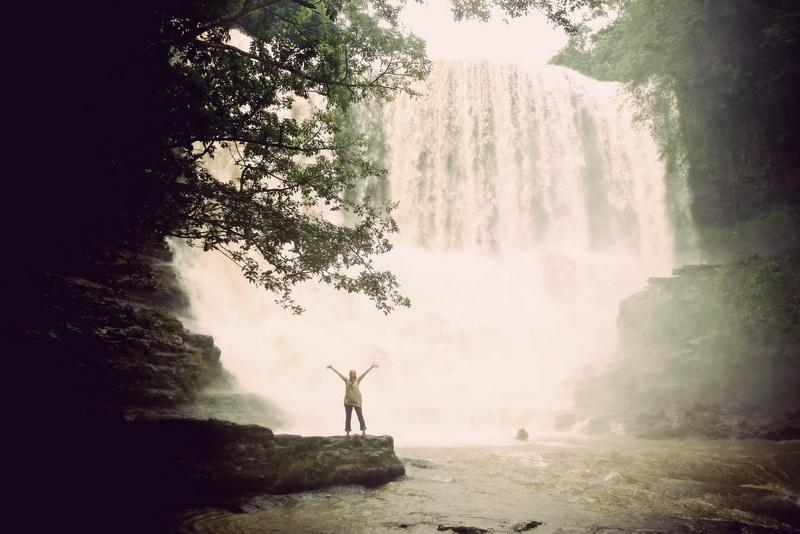 Amie at the second tier of Bou Sraa waterfall Mondolkiri