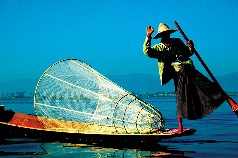 Business as usual out on Inle Lake