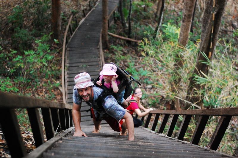 Climb up beside Busra waterfall [Mondolkiri]