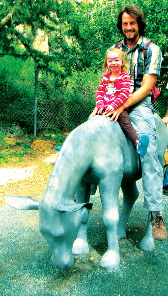 Aya + Dad found something to ride at the zoo