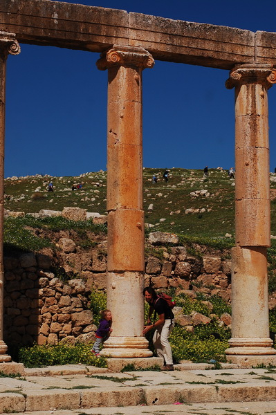 Steve + Aya playing hide n seek in the Jerash Ruins